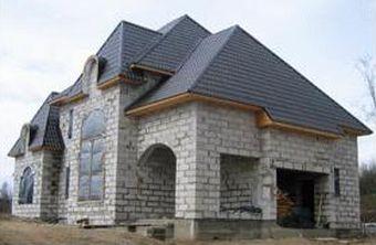 Этакий «замок» с красивой аркой! И это из такого простого и недорогого материала