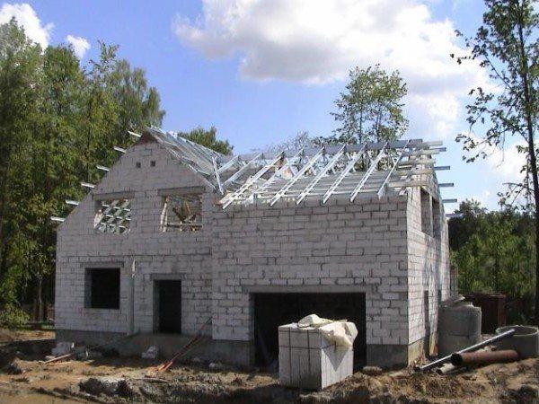 Фото дома из пеноблочных камней
