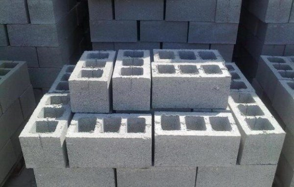 Фото шлакоблоков пустотелых для сооружения дома