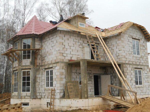Фото строительных работ дома из пеноблоков