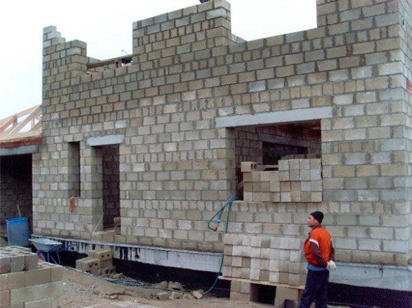Фото строительства дома из керамзитных блоков