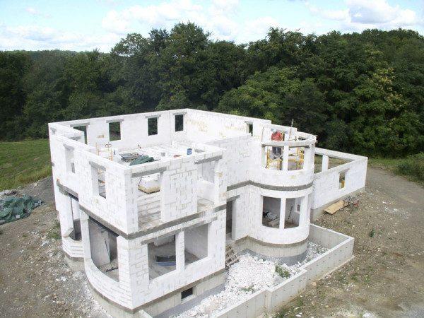 Фото строительства коттеджа из пеноблоков