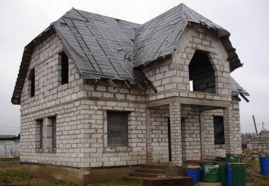Фото строящегося дома из пеноблоков