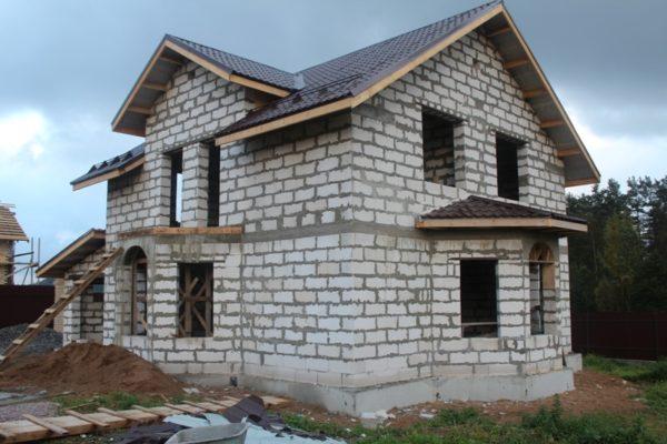 Из пеноблока нельзя строить дома выше двух-трех этажей