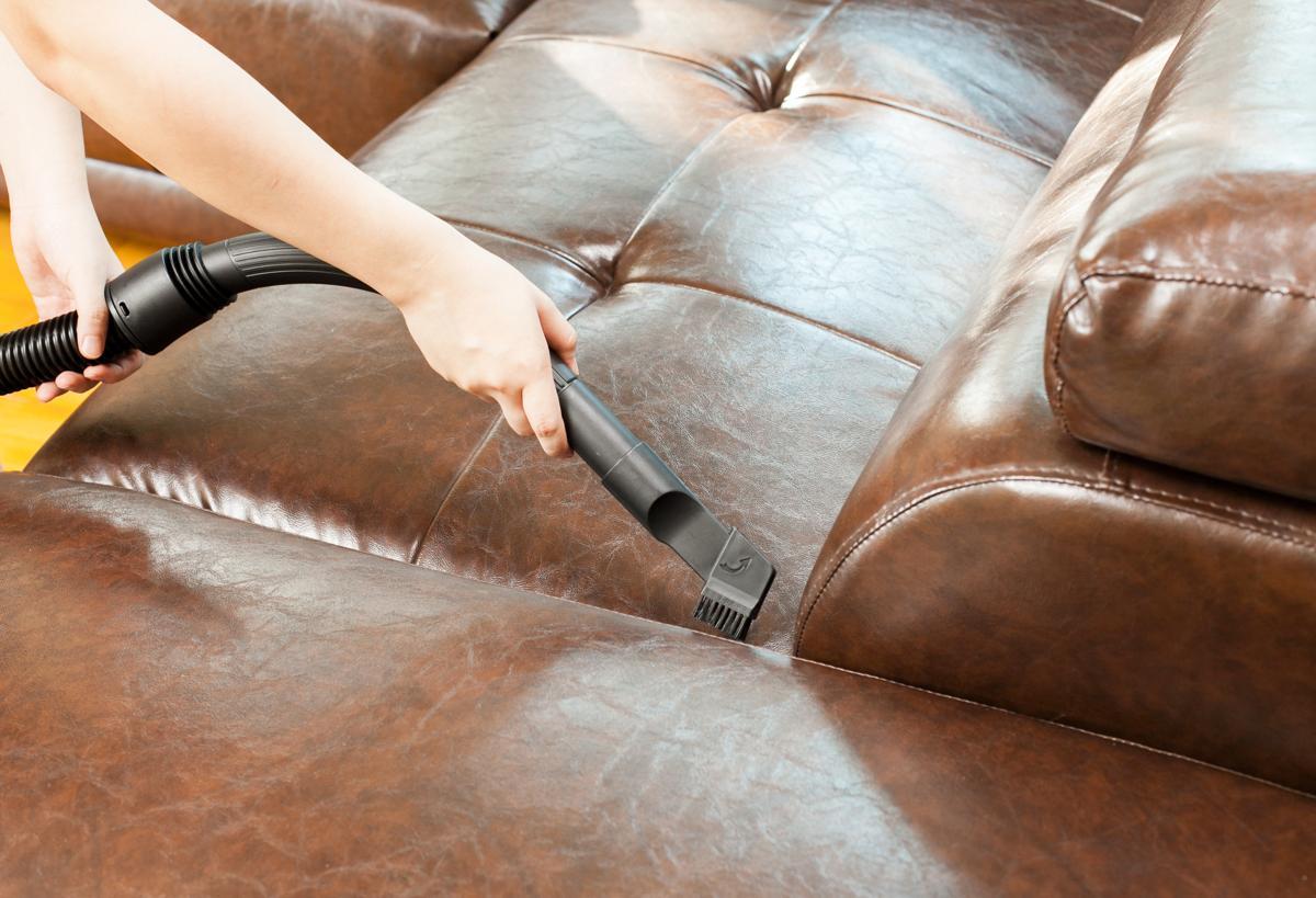 почистить кожаную мебель в домашних условиях светлую