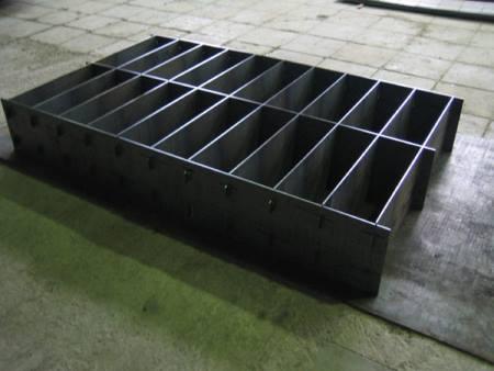 Кассетная форма для получения пеноблоков.