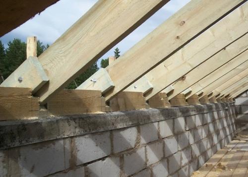 Мауэрлат на бетонном поясе