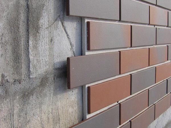 Наружные стены из пеноблока нуждаются в отделке