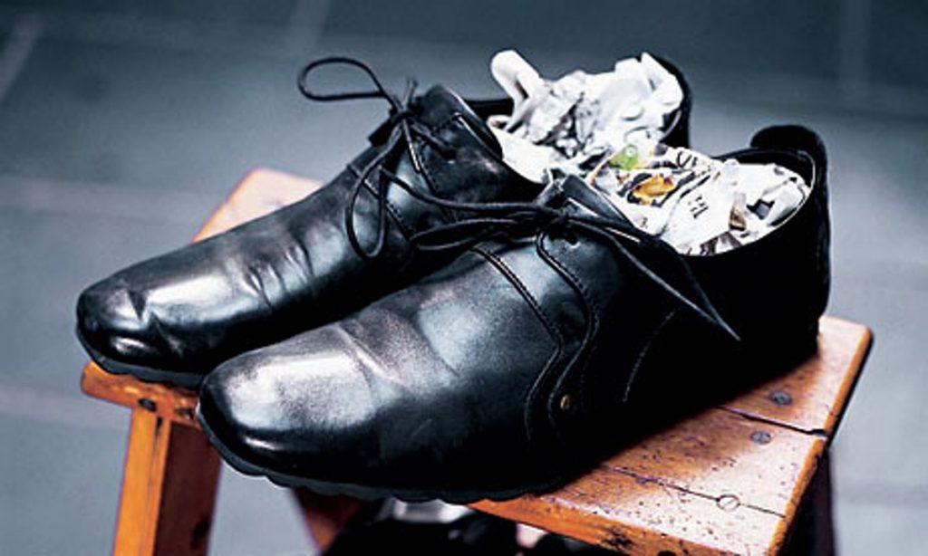 Как размягчить кожу на обуви в домашних условиях?