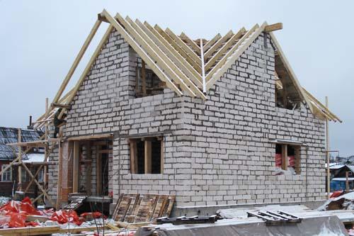 Покрытие крыши хозяйственной постройки