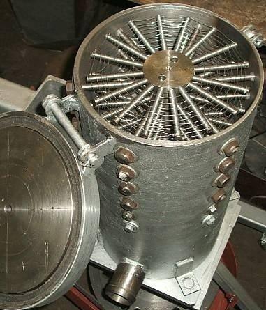 Поризатор успешно совмещает в себе пеногенератор и смеситель.