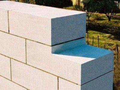 Пример кладки из отдельных пенобетонных блоков.