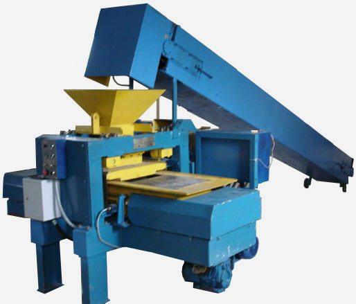 Станок для изготовления шлакоблоков в заводских условиях.