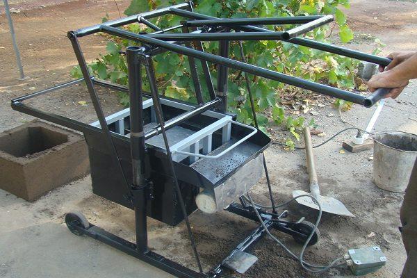 Станок с электроприводом для вибрационного формования