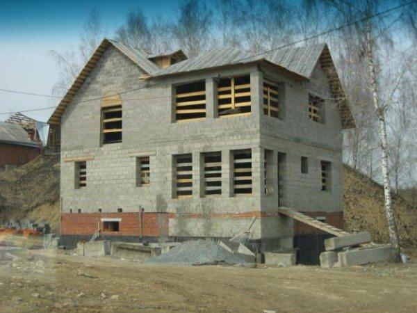 Строим дом из шлакоблока – бережем время и средства