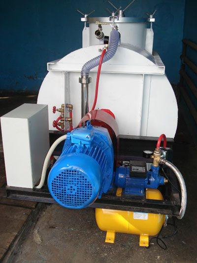 Удобный и компактный пеногенератор (см. фото)