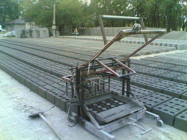 Виброустановка для изготовления строительных материалов