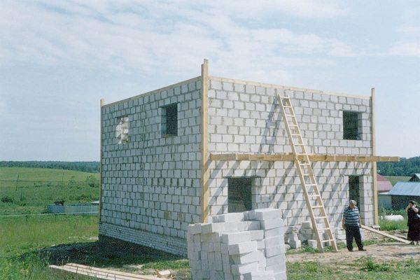 Дачные домики из шлакоблоков своими руками