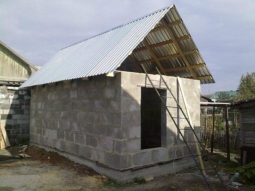 Строительство сарая из пеноблоков: как построить из шлакоблока