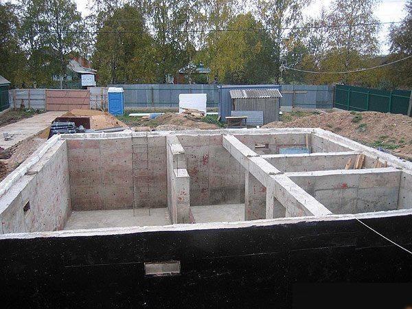 Фундамент, изготовленный из пенобетонных блоков