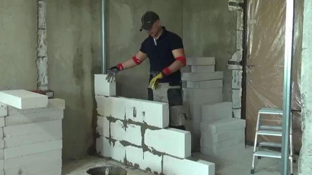 Кладка перегородок из газосиликатных блоков своими руками