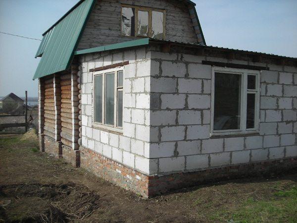 Пристройка из блоков к деревянному дому своими руками