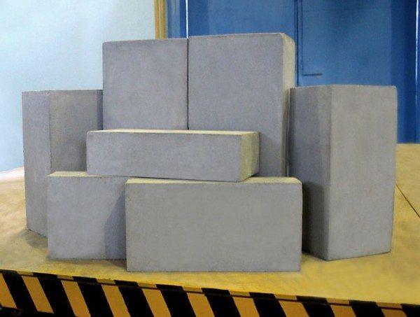 Спрос на пеноблоки постоянно растёт, что стимулирует  постоянное улучшение их качества.